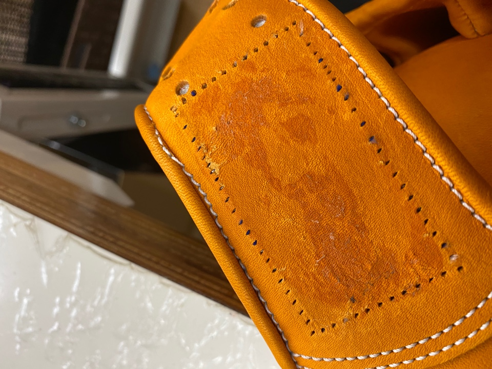 ラベル縫い位置 ヘリの縫製