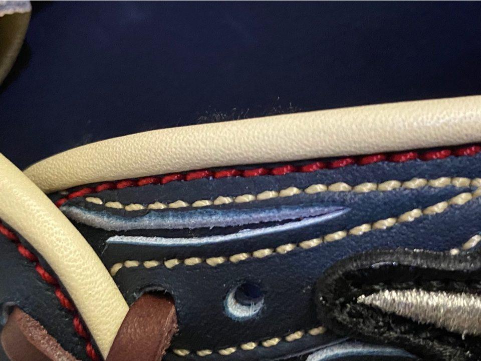 ヘリの縫いとRシルエットの色替え